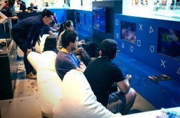 HYPE Station PlayStation. Top Valencia